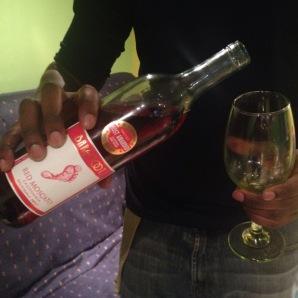 ThisIsMoscatoLife.com #WineOfTheWeek Barefoot Red Moscato