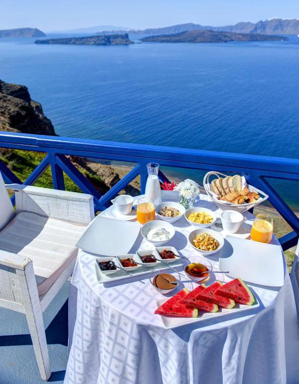 Table overlooking the mediterranean, Astarte Suits Hotel, Greece
